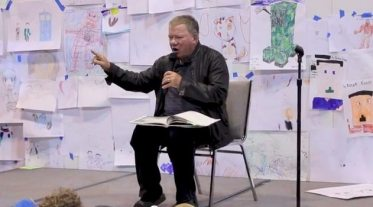 William Shatner reads Where the Wild Things Are at Denver Comic Con