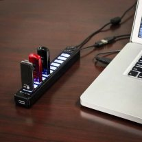 Satechi's 12-Port USB Hub Handles All Your Gear