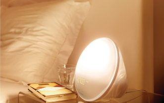 Philips Wake-up Light Gently Eases You Out of Slumber