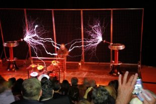 ArcAttack Places Bill Nye in a Faraday Cage